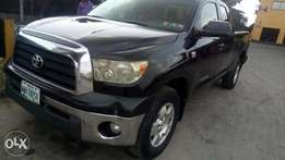 2008 sparkling sharp and sound firstbody Tundra with chilling AC