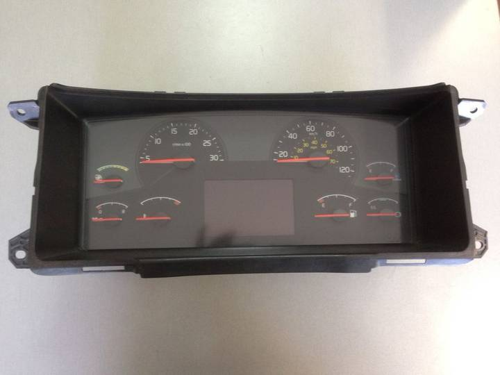 Volvo Shchitok priborov dashboard for  truck - 2004