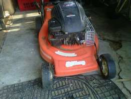 Lawnmower Brigg n Stratton