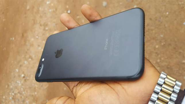 Black factory unlocked black iPhone 7 plus 32gb for sale for low price Saki West - image 3