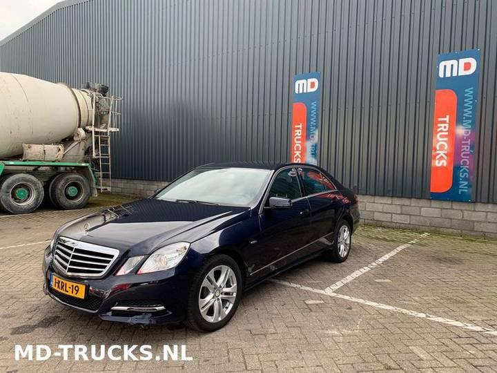 Mercedes-Benz E200 CDI - 2012