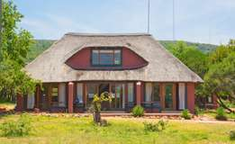 Last Minute Holiday Accommodation - Big Five Nature Reserve