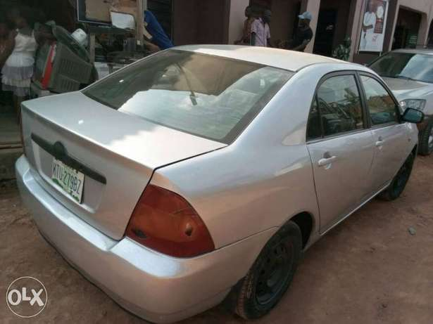 A very clear used Corolla 2004 Ikeja - image 4