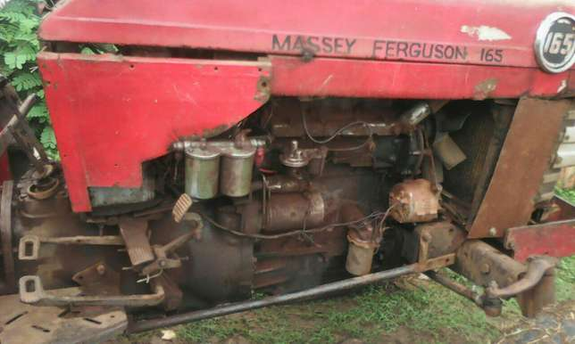 3 disc plough and mf 165 Thika - image 2