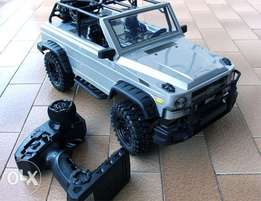 1/10 Full Scale 2.4G Remote Control Climbing Car 4WD Offroad Vehicle