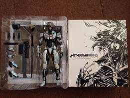 Metal Gear vengeance Collectors edition High Q action figure + box