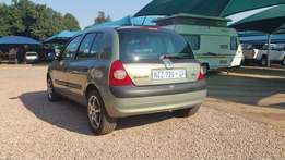 2003 Renault Clio with mags