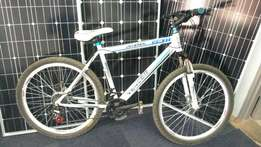 Universal Vencer UV 600 MTB limited stock! only R 3000
