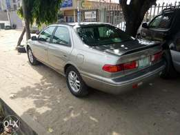 Neatly used Toyota Camry 2001 model