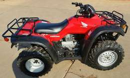 Honda fourtrax 350cc 4x4 !!! a must have !!!