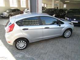 2013 ford fiesta 1.6 in excellent condition.