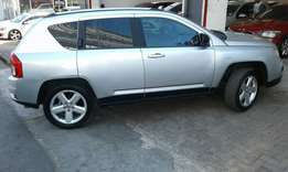 2013 jeep compass limited 2.0 in a good condition