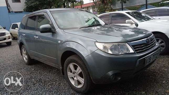 Subaru Forester Non Turbo 2000cc lady owned clean just buy and drive Nairobi CBD - image 5