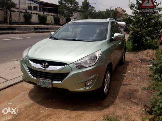 Super clean vehicle Hyundtai ix35 2012model Ikeja - image 8