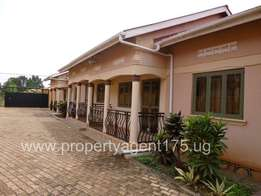 Double selfcontained hotcake for rent in Makerere