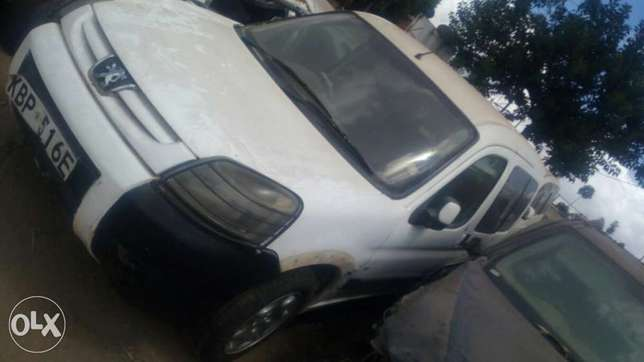 Peugeot salvage car for sale. Industrial Area - image 2