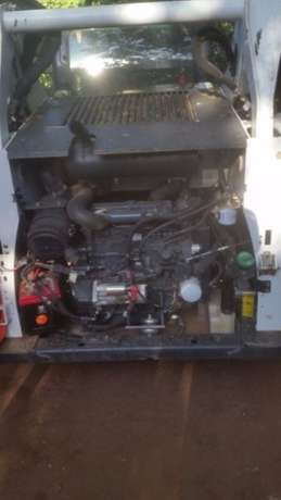 2014 Bobcat skidsteer with only 430 hours, bucket and forks attachment Kempton Park - image 5