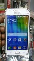 Samsung J1 on offer,4.3inches,4gb