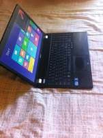 Acer Travelmate 5760 corei5, 500GB Harddrive, 2GB Ram, window8, R2700