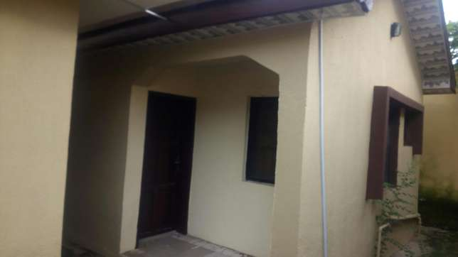 Newly renovated fully detached 3 bedroom bungalow for rent in Wuse 2 Wuse II - image 2