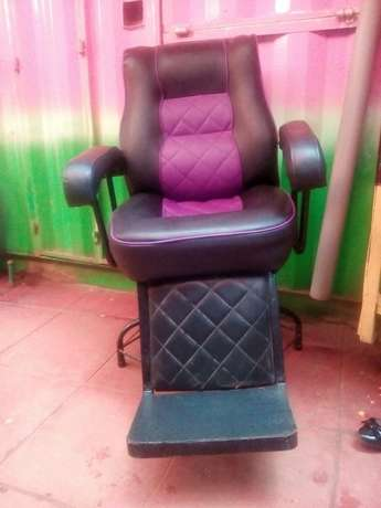 Executive and in perfect condition Barber seat Gachie - image 2