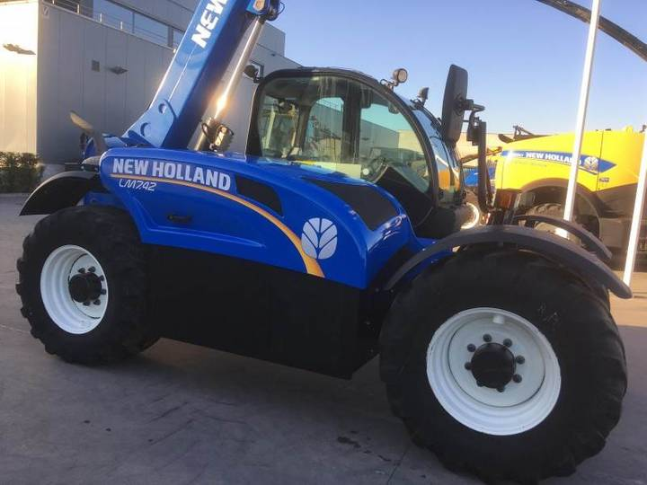 New Holland Lm7.42 - 2015
