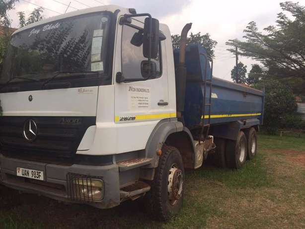 Mercedes Axor for rent or sale Kampala - image 2