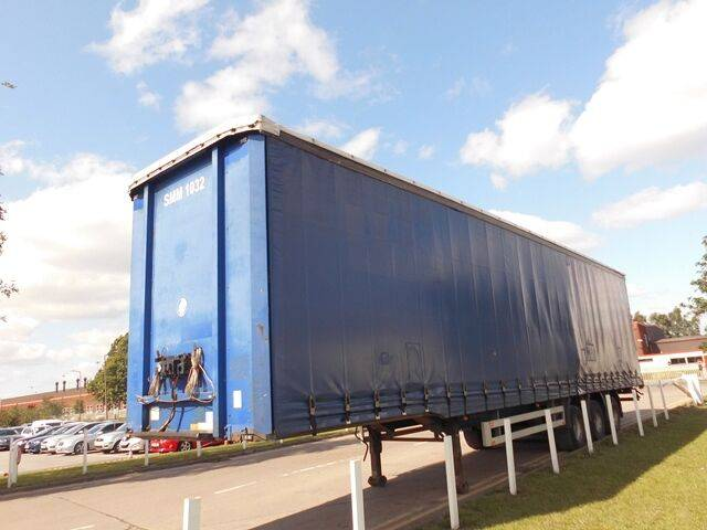 Pacton CURTAINSIDE