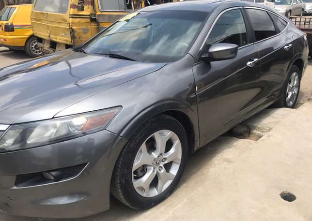 Very Neat Honda Accord Crosstour Surulere - image 4
