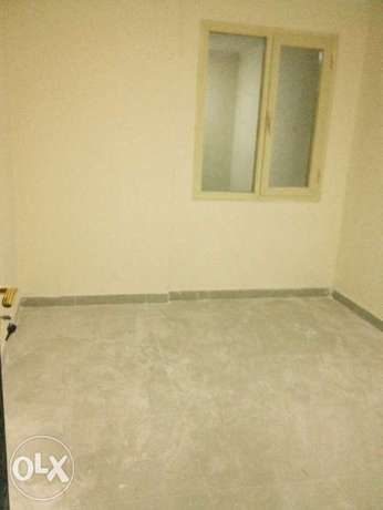 40 flat 2 bhk 2 bath out side full building for rent ابو حليفة -  2