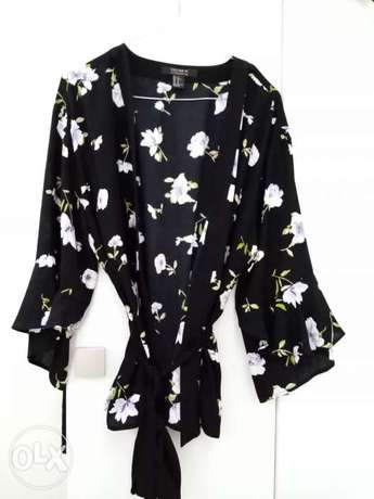 Forever 21 floral cardigan size L-XL