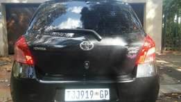 2009 Toyota Yaris spirit T3 engine R68000 negotiable leather seat inte