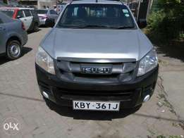 Isuzu Dmax local