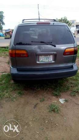 Toyota Sienna urgently for sell at affordable price in good condition Akure - image 2