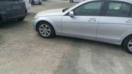 Mercedes benz 2010 will alloy wheels at 2.4m