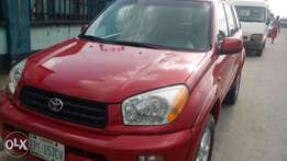 Extremely sharp and sound 2003 Rav4 with factory chilling AC