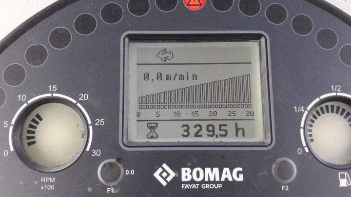 BOMAG Bf 300 C-2 S340-2 Tv - 2016 - image 7