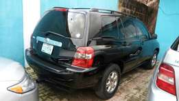Toyota Highlander 2005 model very clean buy and drive
