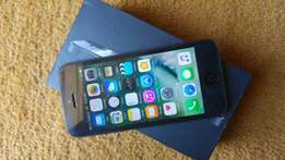 Iphone 5 for sale neat with accessories R2400
