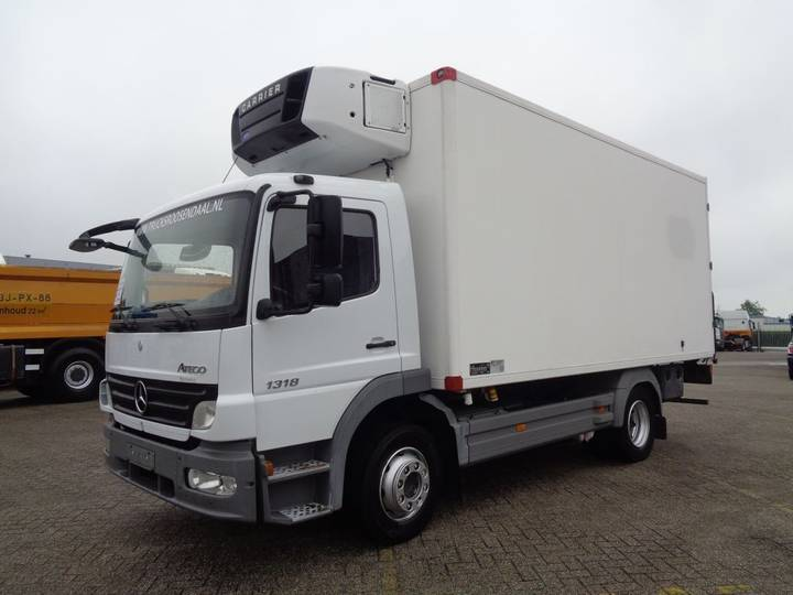 Mercedes-Benz Atego 1318 + Manual + Carrier Supra 750Mt - 2006