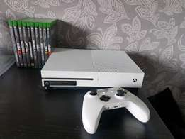 Wow its braqnd new in White color Xbox one S 1TB