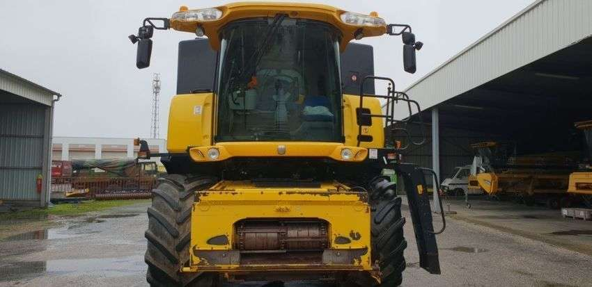 New Holland Cr9060 Elevation - 2010 - image 3