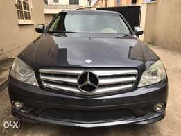M/benz C300 toks super clean and fresh