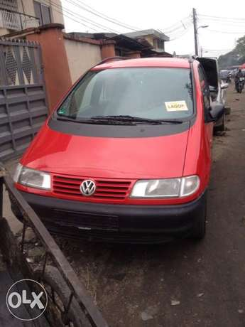 very clean first body Volkswagen sharan full option with A/C chilling Apapa - image 1