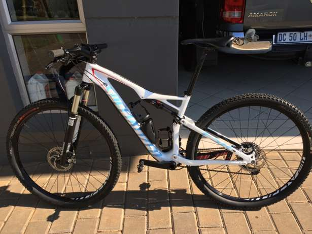 2015 Specialized Epic comp carbon Garsfontein - image 1