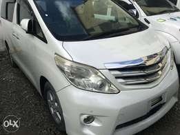Alphard with sunroof loaded.