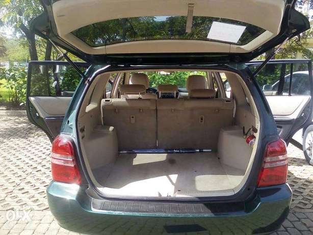 SUPER CLEAN highlander for give away price Central Business District - image 5