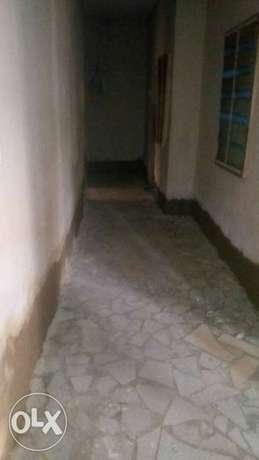 Descent 2bedroom flat spacious with tiles at Ijesha Surulere Surulere - image 3