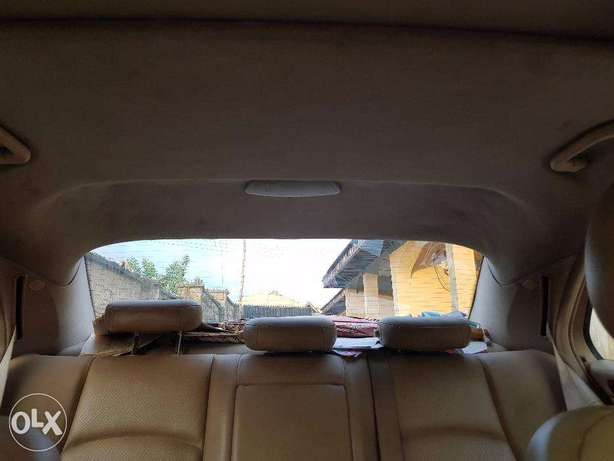Mercedes benz C240 4matic clean used Ibadan North West - image 6