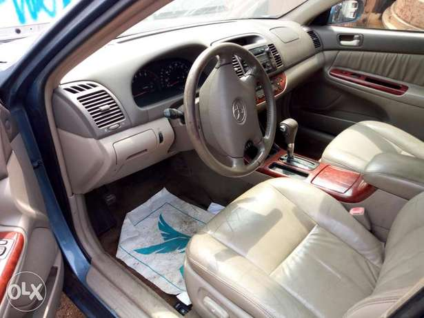 Clean Tokunbo Toyota Camry XLE 2004. Surulere - image 2